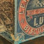 LU ビスケット缶