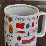 虫だらけのマグカップ