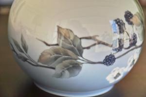 ロイヤルコペンハーゲン ブラックベリー図 花瓶 3