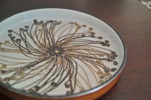 ロイヤルコペンハーゲン BACAバッカシリーズ Ellen Malmarエレン マルマーデザインの飾り皿 小