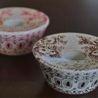 ビョルン・ウィンブラッド デザイン たっぷりとした重さが魅力! キャンドルホルダー  赤・茶