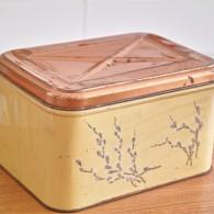 ネコヤナギが珍しい 缶(Tin ブリキ)ブレッドケース