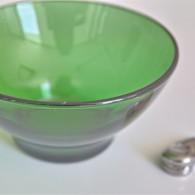 ガラス製のグリーンのカフェオレボウル フランス製