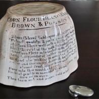 BROWN & POLSON'S 陶器モールド タイプ3
