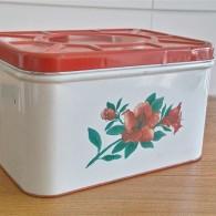 落ち着いた赤い花柄 ブレッド(Tin ブリキ)缶 趣味のお道具入れに最適! その2