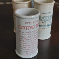 英国 クロテッドクリームボトル ピンク文字 ロングサイズ その2