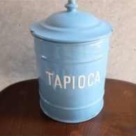 英国 ブルーにホワイトでTAPIOCAの文字が愛らしい アンティークホーローのキャニスター 12