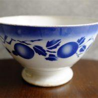 カフェオレボウル その34 フランス Badonviller (バドンヴィレー)製 青い実柄 1910年以前の製品