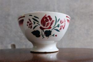 アンティークカフェオレボウル その61 古い時代の大きなタイプ 2色で書かれた花束柄