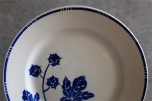 フランス アンティーク badonviller(バドンヴィレー)製 直径21.3㌢ 葉と実柄 青単色のプレート